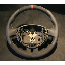 Volant Clio III RS cuir Nappa perforé sur parties latérales, Alcantara et centreur