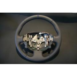 Volant Renault Mégane 2RS finition cuir perforé latéral